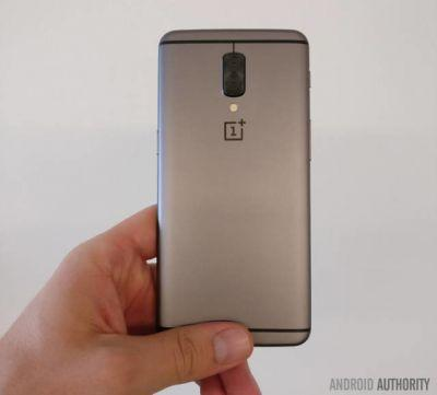 Alleged OnePlus 5 Prototype With Dual Cameras Gets Photographed