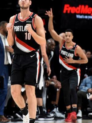 McCollum has 30 points and Blazers beat the Spurs 127-118