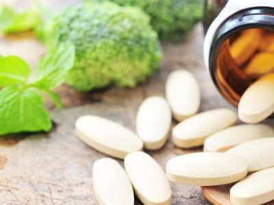 Best Supplements: Top 6 Supplements for Overall Health + Their Benefits