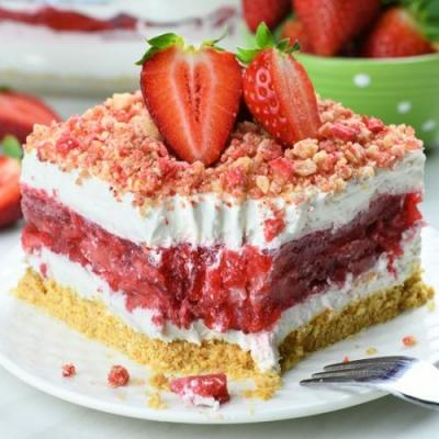 Strawberry Jello Lasagna