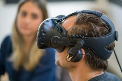 HTC cuts Vive price to $600 as an answer to Facebook's Oculus Rift discounts