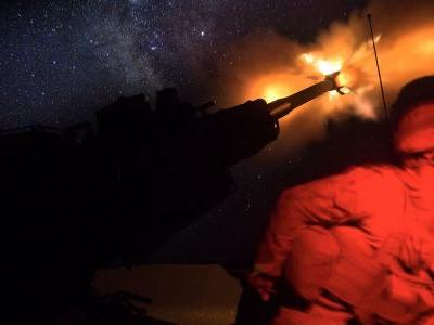 US conducts airstrikes against Syrian pro-regime forces