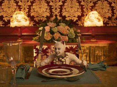 Some Lunatic Mashed Up Stephen King Movies With Tom Hooper's Cats And It's Amazing