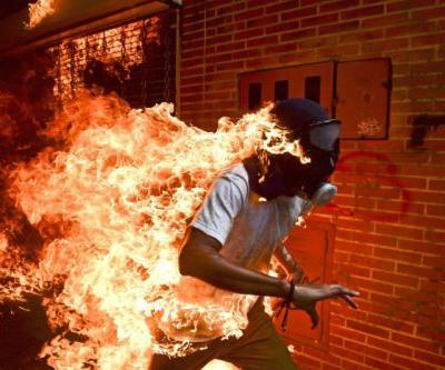 Photo of Man on Fire Wins World Press Photo of the Year