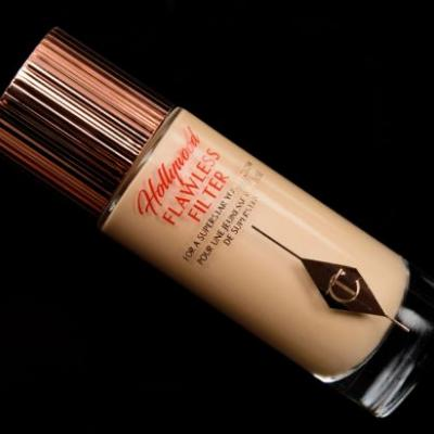 Charlotte Tilbury Light (2) Hollywood Flawless Filter Review, Photos, Swatches
