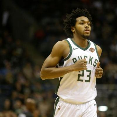Bucks rookie Sterling Brown sues Milwaukee police, saying tasing violated his civil rights
