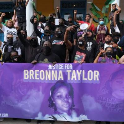 A Grand Juror Said Breonna Taylor's Case Was Misrepresented. Is This Even Legal?