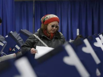 Illinois primary puts focus on security of state voter rolls