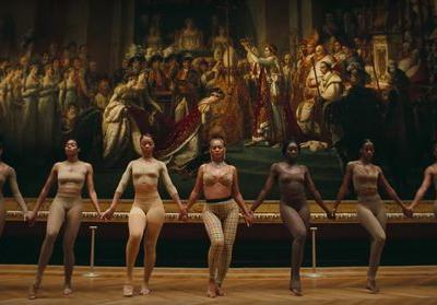 "The Music Video For ""Apesh*t"" On 'Everything Is Love' Filmed In The Most Glam Place"