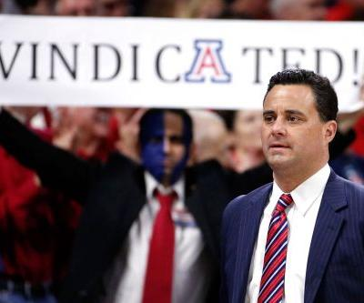 Arizona fans greet returning Sean Miller like conquering hero