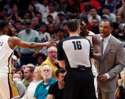 NBA fines Pelicans coach Gentry for criticizing officiating