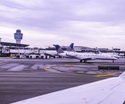 FAA halts flights into New York's LaGuardia Airport citing staffing issues