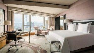 Exclusive Shopping Privilege with the Fashion Moment Holiday Package at Four Season Hotel Hong Kong