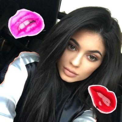 Kylie Jenner accused of copying British artist's work