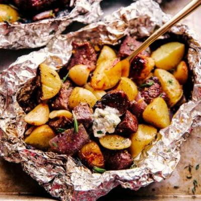 GARLIC BUTTER STEAK AND POTATO FOIL