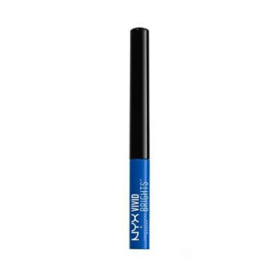 Every NYC Girl Is Wearing Her Eyeliner Like This During Summer 2018