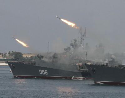 Russia appears to be readying for a naval battle with the US near Syria - but it could be a bluff