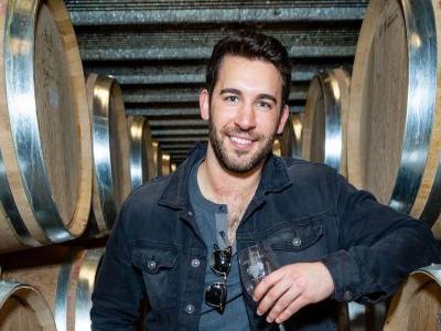 Round 4?! Bachelor Nation Is Rallying for Derek Peth to Be the Next Bachelor