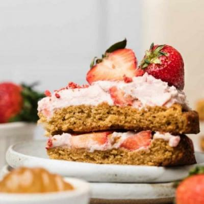 GF Strawberry Shortcake Cake