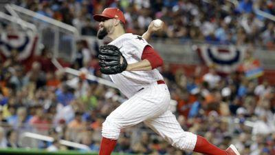 Rockies acquire all-star Pat Neshek from Phillies for prospects