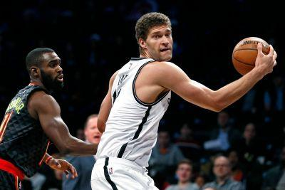 AP sources: Lakers to ship Russell, Moz to Nets for Lopez