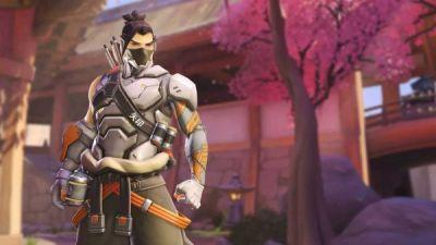 The Overwatch dance emotes can only be unlocked during the Anniversary event