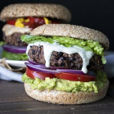 Easy Low-Fat Black Bean Burgers