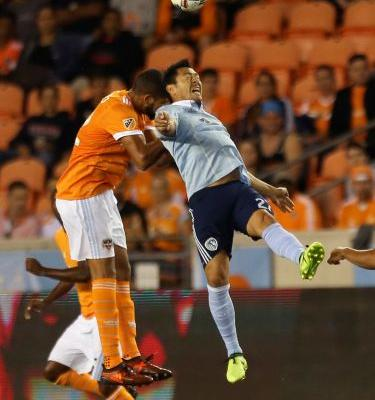 Elis scores in extra time, Dynamo top Sporting KC 1-0