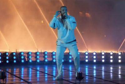 "Billboard Music Awards 2017: Watch Drake Do ""Gyalchester"" In The Bellagio Fountains"