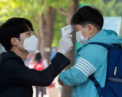 There's a demonstrated way to avoid lockdowns and still stop the coronavirus' spread. South Korea has been doing it for months