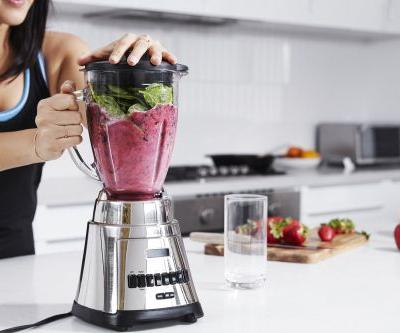 Keep These Diet-Busting Ingredients Out of Your Smoothie If You Want to Lose Weight