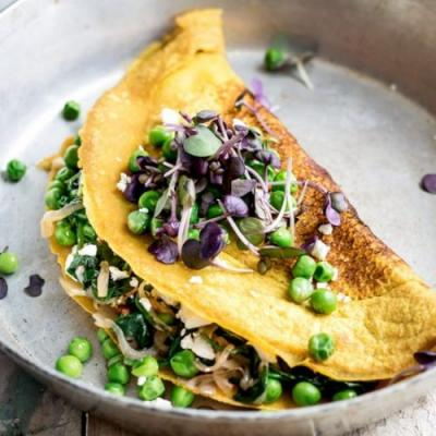 Spinach and peas chickpea omelette