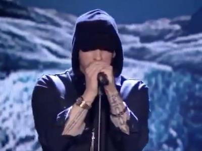 """Eminem Plays """"Walk on Water"""" at EMAs, Wins 'Best-Hip Hop,' Doesn't Know Why"""
