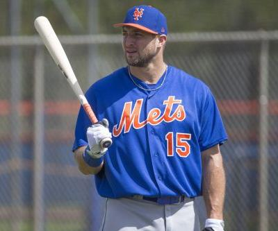 Mets welcome Tim Tebow back to spring training