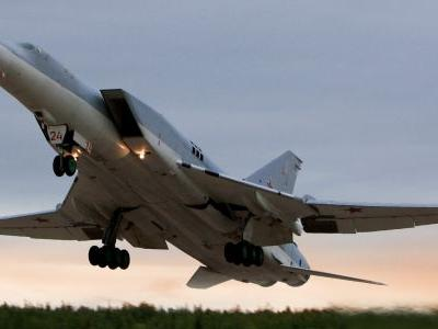 Russia upgraded a nuclear bomber - and its missiles are a nightmare for US Navy aircraft carriers