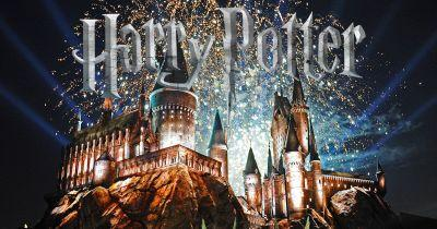 The Wizarding World of Harry Potter has just announced a new nighttime display
