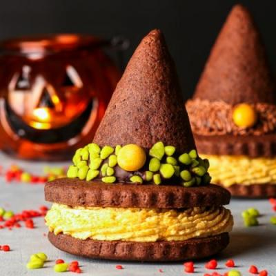 Witch Hat Cookie Sandwiches