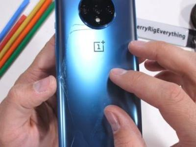 OnePlus 7T Glass Cracks Under Pressure During A Durability Test