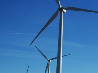 Iowa wind farm owners fight against removal order