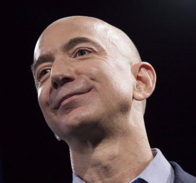 The richest real estate developer in the US wrote a desperate letter to Amazon CEO Jeff Bezos offering to pay for the insanely sought-after HQ2