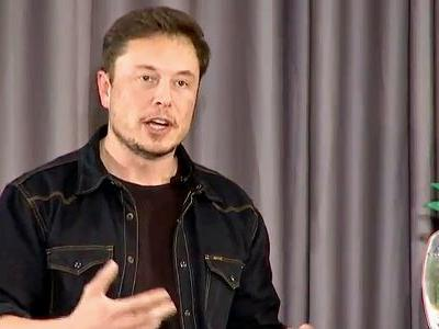 Elon Musk looks to ease concerns in an affluent suburb of Los Angeles where The Boring Company is building a new test tunnel
