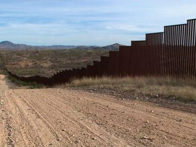 Trump expected to sign deal for border wall, plans to declare national emergency for extra funding