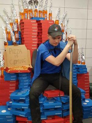 Dominos employee Builds 'Game Of Thrones' Iron Throne out of pizza boxes and soda bottles