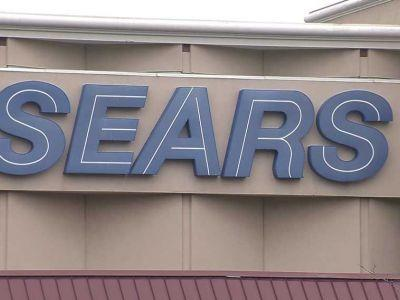 Sears reaches 11th-hour deal to stay in business