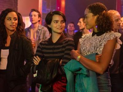 Trinkets Series Premiere Review: Charming YA Kleptomaniacs Will Steal Your Attention