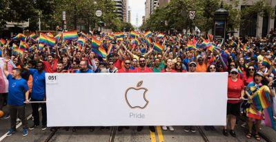 Apple & Tim Cook celebrate Pride2017 in cities around the world