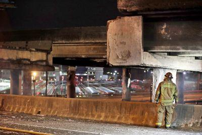 Bridge collapse causes major 'transportation crises'