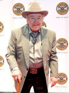 'Hee Haw' star, guitar virtuoso Roy Clark has died