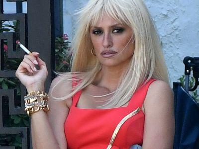 These Photos Of Penelope Cruz As Donatella Versace Are Unbelievable
