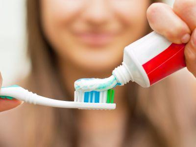 The 5 best whitening toothpastes, according to a cosmetic dentist